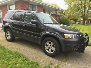2006 Ford Escape XLT. $2500 as is. Open to offers.