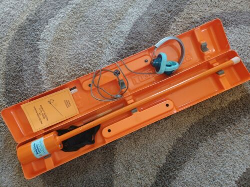 Schonstedt GA-32 Heliflux Magnetic Locator complete w/case & manual