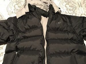 Nike Down/Feather Filled Black Winter Jacket - Medium