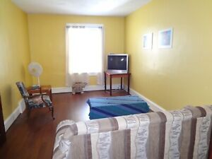 Large 6 BR, 2.5 Bath West End Home $1700/month