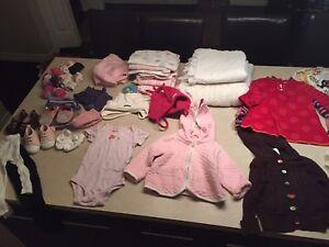 Lot de vêtements fille 6 à 12/18 mois (+35 morceaux)