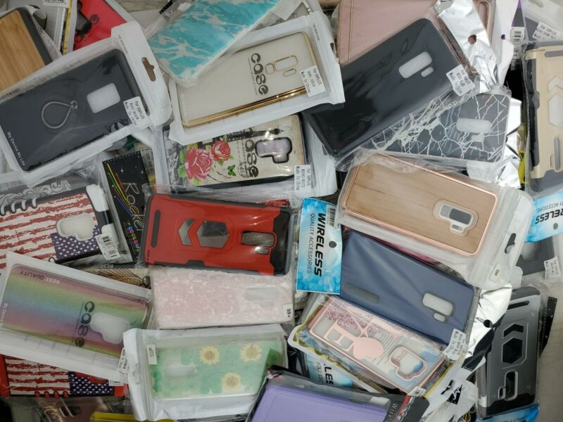 Wholesale Closeout Bulk Lot of 100 Cases Covers for Samsung S9 Plus