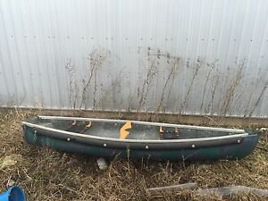 10 ft fibreglass flat back canoe.