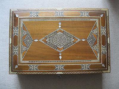 Schmuckschatulle Intarsien Holz Perlmutt mit Schlüssel alt Schatulle