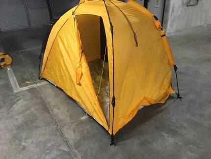 Convenient beach tent