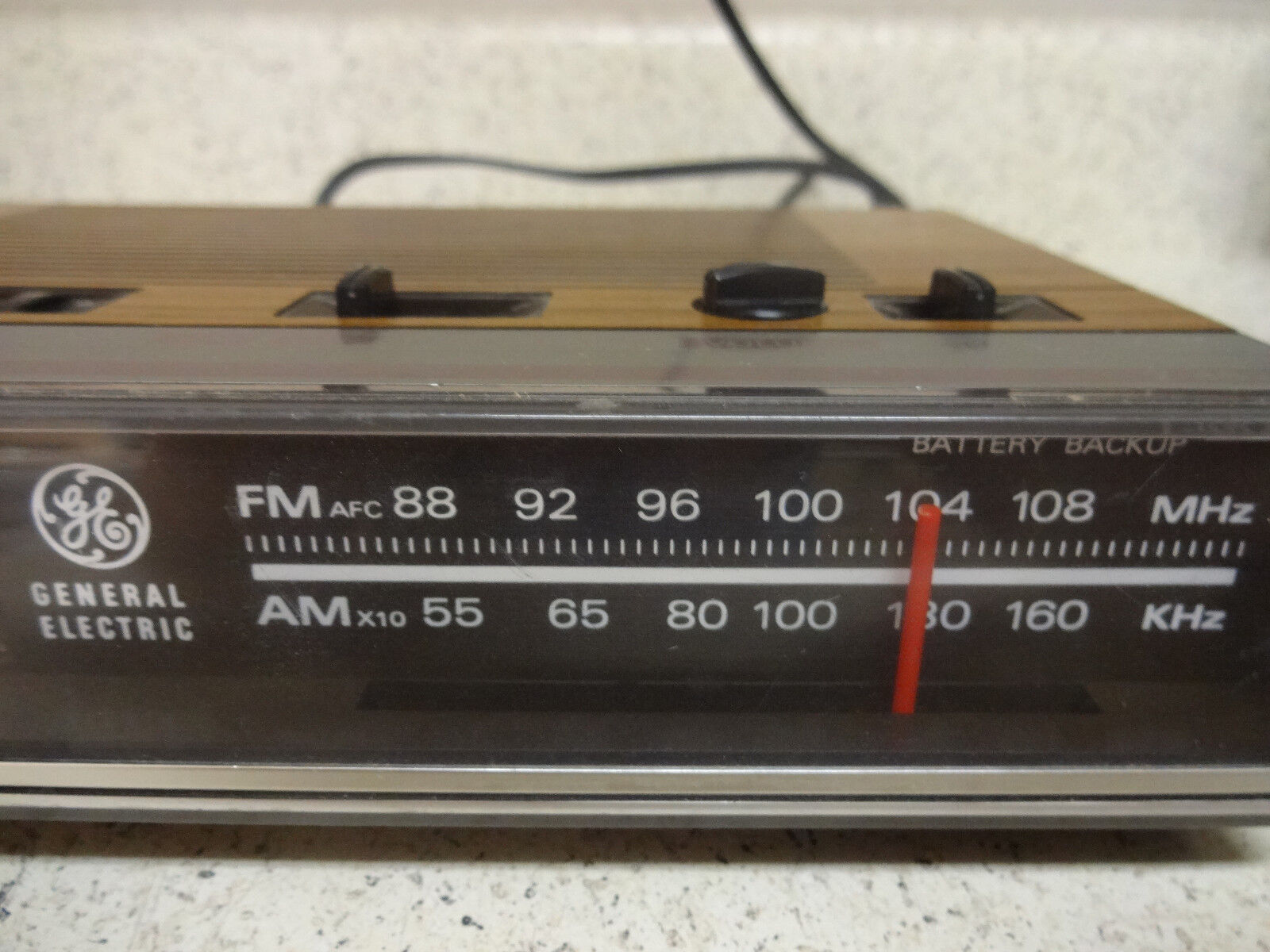 vintage ge general electric digital am fm radio alarm clock 7 4624b woodgrain picclick. Black Bedroom Furniture Sets. Home Design Ideas