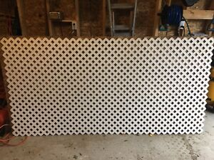 White plastic/vinyl privacy lattice