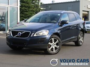 2013 Volvo XC60 T6 AWD   HEATED LEATHER   SUNROOF