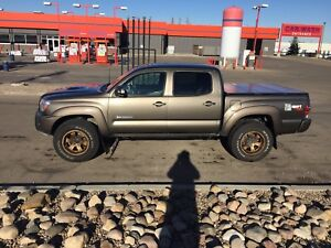 2013 Toyota Tacoma TRD Trails Teams edition 6MT LOTS OF EXTRAS