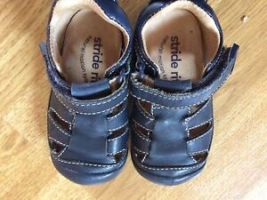 Stride Right size 3 sandals