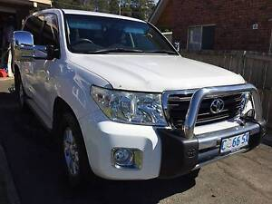 Toyota LandCruiser GXL 200 series Wagon - 2012 update Penguin Central Coast Preview