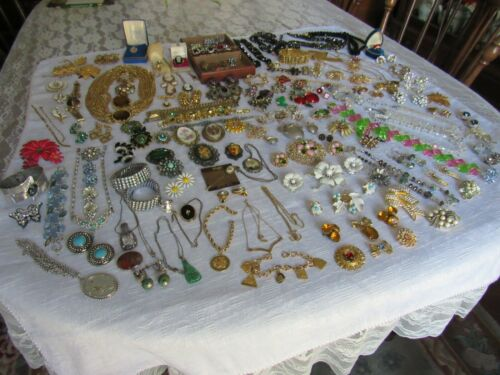 Vintage Jewelry Lot   STUNNING Pieces !!!