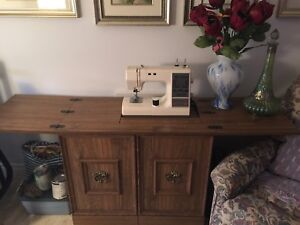 Sewing table w machine