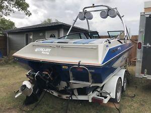 Glastron futura 205 wakeboard boat