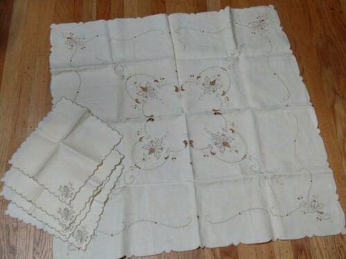 """Vintage Madeira Beige Embroidered Cutwork 34"""" Tablecloth 4 Napkins Unused"""