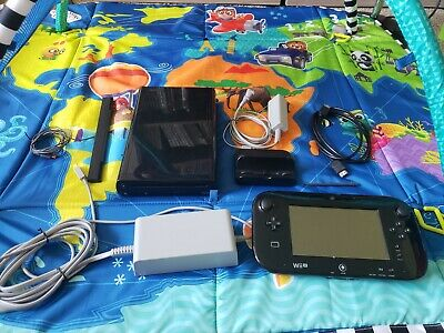 Nintendo Wii U 32gb Console w Mario Kart 8 ( cleaned and disinfected )