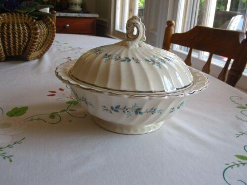 Myott Staffordshire Olde Bluebell Round Covered Vegetable Dish