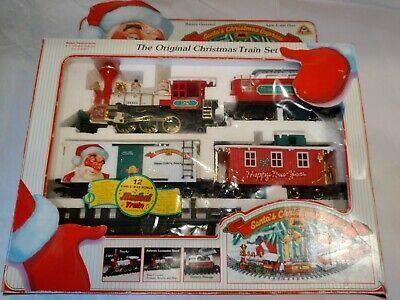New Bright Christmas Holiday Train Set - RUNS in original boxes, complete