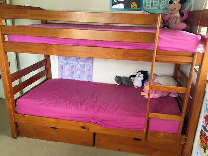 Beds - Bunk beds or single x 2