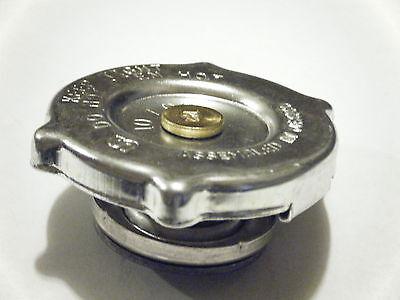 Radiator Cap For Case 1190 1194 1294 1394 1494 1594 2090 2094 2290 2294 2394