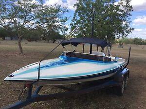 1994 Camero Volante Ski Boat Moura Banana Area Preview