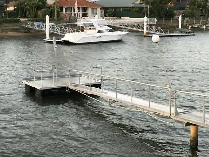 Floating Pontoon and Walkway Aluminium framed in great condition
