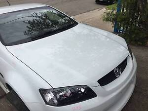 HOLDEN COMMODORE VE BONNET HERON WHITE 679F Kingswood Penrith Area Preview