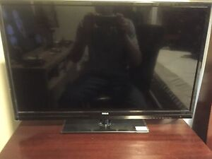 "28"" RCA LED tv with remote"