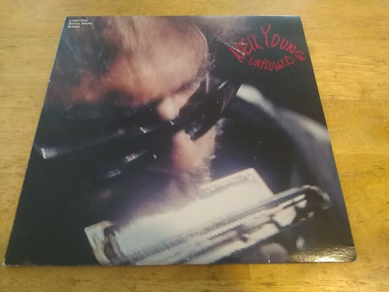 NEIL YOUNG UNPLUGGED LASERDISC USA nm