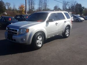 2009 Ford Escape XLT 4X4 no rust! safetied