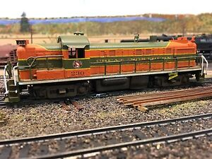 HO Scale Model Train Great Northern