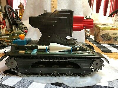 VINTAGE BATTERY OPERATED U. S. ARMY M4033 MISSILE TANK