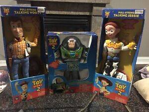 Walt Disney's Toy Story 2 Talking figurines woody buzz jessie