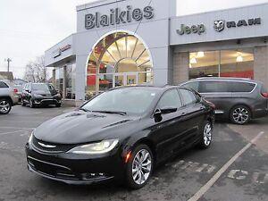 2015 Chrysler 200 S | HEATED SEATS | SUNROOF | BACK UP CAM | UCO