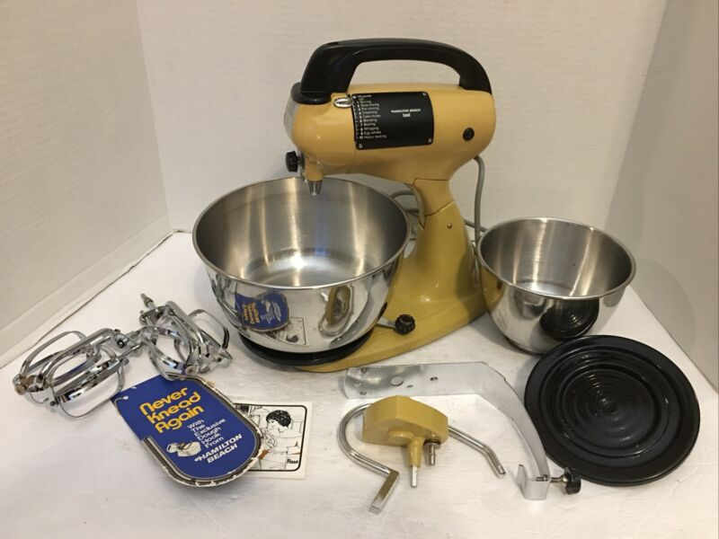 Vintage*Hamilton Beach Yellow Scovill Stand Mixer*Bowls & Beaters & Dough*Works