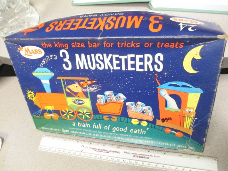 3 Musketeers 1950s WITCH train candy box Indian halloween mask display
