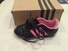 Adidas girls soccer football boots size US 2 Prospect Prospect Area Preview