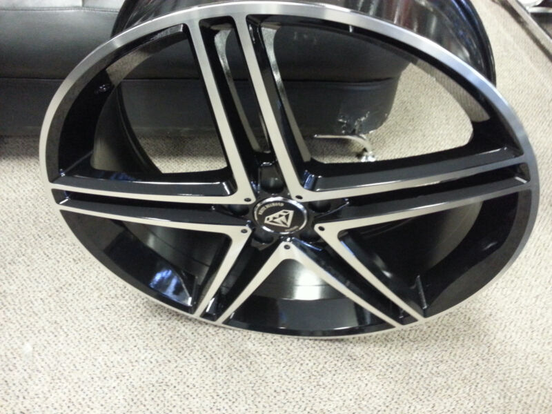 22 X 8 Inch White Diamond # 5179 Black Machine Wheels & Tires fit 5X114.3