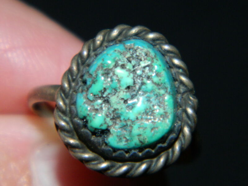 175#C-- Ring 5 Turquoise Nugget Silver Vintage