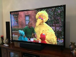"Samsung 64"" 3D Series 5 Smart Plasma TV Casula Liverpool Area Preview"