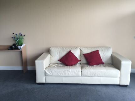 Beautiful sofa almost new in perfect conditions. Melbourne CBD Melbourne City Preview