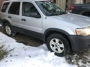 2005 Ford Escape 4x4 XLT loaded
