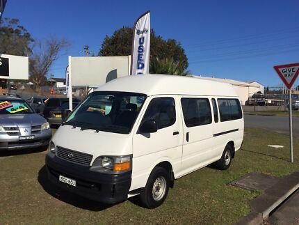 Toyota Hiace 3.0 LTR Diesel Commuter Van Port Macquarie 2444 Port Macquarie City Preview