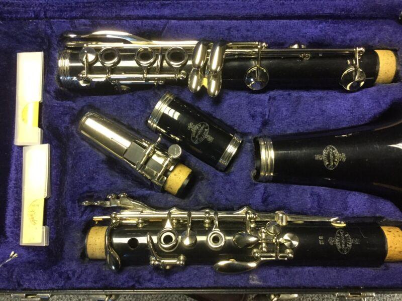 Buffet Crampon Paris B12 Clarinet in original Hard Case. Plays Well. Item 0493.