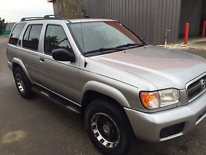 04 Nissan Pathfinder Chinook Edition REDUCED