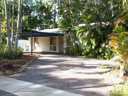 SECURE HOUSE, 3 BED 2 BATH ,FULL AIRCON.,CLEAN/TIDY/RECEN PAINT.