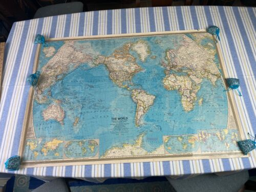 """Vintage 1971 National Geographic World Map 42.5"""" x 29.5"""" Countries States Oceans"""