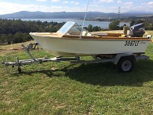 Runabout fibreglass 13.5ft 40hp yamaha may swap Exeter West Tamar Preview