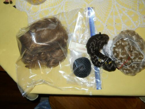 Lot of 4 NEW Dolls Wigs Different Sizes  Blonde, Brunette For Repair/ Replace