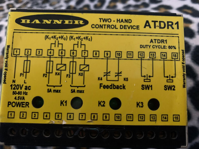 BANNER ATDR1 TWO-HAND CONTROL DEVICE SAFETY RELAY CONTROLLER 120VAC 4.5A